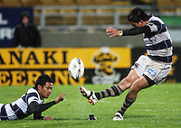 Auckland's Ash Moeke converts Onosai'i Auva'a's try. Air New Zealand Cup rugby match - Taranaki v Auckland at Yarrows Stadium, New Plymouth, New Zealand. Friday 9 October 2009. Photo: Dave Lintott / lintottphoto.co.nz