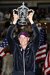11.09.2011, Flushing Meadows, New York, USA, WTA Tour, US Open, Finale im einzel der Damen, im Bild SAMANTHA STOSUR (AUS) hält den Pokal nach ihrem Turniersieg // during WTA Tour US Open tennis tournament at Flushing Meadows, women singles final, New York, USA on 11/09/2011. EXPA Pictures © 2011, PhotoCredit: EXPA/ Newspix/ Marek Janikowski +++++ ATTENTION - FOR AUSTRIA/(AUT), SLOVENIA/(SLO), SERBIA/(SRB), CROATIA/(CRO), SWISS/(SUI) and SWEDEN/(SWE) CLIENT ONLY +++++
