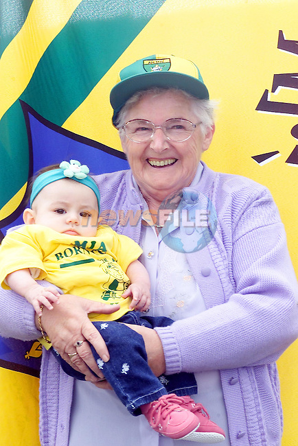 Gerty Reynolds and her Great Grandaughter Mia Geraghtyfrom the Dean Coogan estate in Navan all set for the All Ireland on Sunday..Picture Fran Caffrey Newsfile.