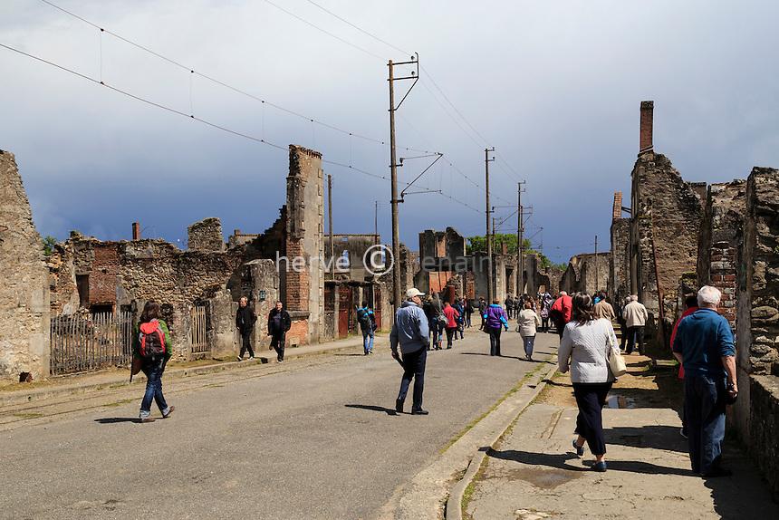 France, Haute-Vienne (87), Oradour-sur-Glane, le village martyr // France, Haute Vienne, Oradour sur Glane, ruins of the original village remain as a memorial