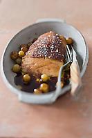 Foie gras poêlé, chasselas de Moissac et pain d'épice - recette de Christian Constant EXCLU: EDITION LIVRE CUISINE DU SUD-OUEST
