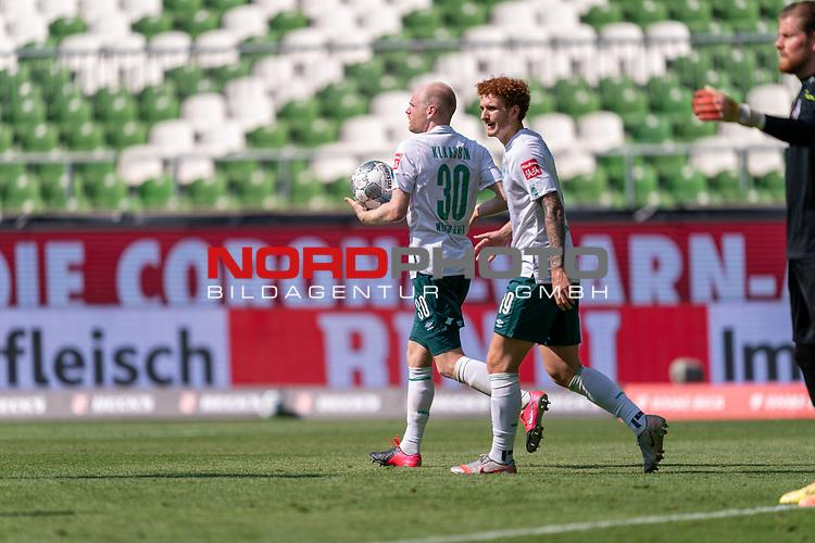 4:0 Davy Klaassen (Werder Bremen #30) holt den Ball aus dem Tor Jubel Joshua Sargent (Werder Bremen #19)<br /> <br /> <br /> Sport: nphgm001: Fussball: 1. Bundesliga: Saison 19/20: 34. Spieltag: SV Werder Bremen vs 1.FC Koeln  27.06.2020<br /> <br /> Foto: gumzmedia/nordphoto/POOL <br /> <br /> DFL regulations prohibit any use of photographs as image sequences and/or quasi-video.<br /> EDITORIAL USE ONLY<br /> National and international News-Agencies OUT.