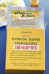 BUFFER SOLUTION POWDER PACKET<br /> Prepared Buffer Powder Has pH of 7<br /> Hydrion Chemvelope pH buffer powder allows for 500mL solution of pH 7 to be prepared quickly and precisely.