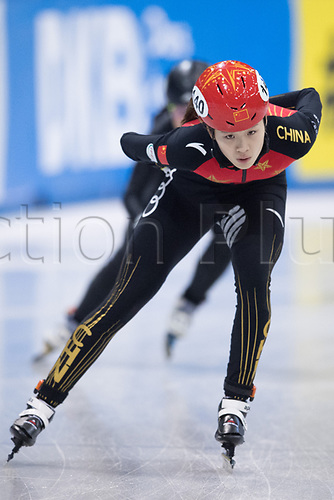 01 February 2019, Saxony, Dresden: Shorttrack: World Cup, quarter finals, 1500 meters women in the EnergieVerbund Arena. Chutong Zhang from China on the track.
