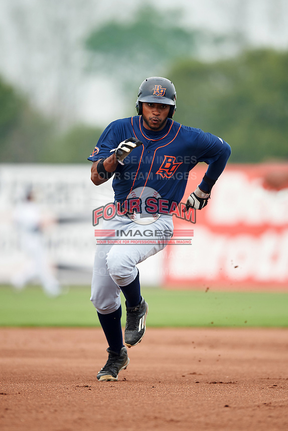 Bowing Green Hot Rods right fielder Manny Sanchez (17) during a game against the Burlington Bees on May 7, 2016 at Community Field in Burlington, Iowa.  Bowling Green defeated Burlington 11-1.  (Mike Janes/Four Seam Images)