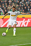 04.11.2018, Borussia Park , Moenchengladbach, GER, 1. FBL,  Borussia Moenchengladbach vs. Fortuna Duesseldorf,<br />  <br /> DFL regulations prohibit any use of photographs as image sequences and/or quasi-video<br /> <br /> im Bild / picture shows: <br /> Florian Neuhaus (Gladbach #32), Einzelaktion, Ganzk&ouml;rper / Ganzkoerper,  <br /> <br /> Foto &copy; nordphoto / Meuter