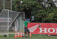 SÃO PAULO, SP, 28.02.2017 - FUTEBOL- PALMEIRAS - Goleiro Fernando Prass durante treino do Palmeiras, na Academia de Futebol na Barra Funda, na tarde desta terça-feira,28. (Foto: Darcio Nunciatelli/Brazil Photo Press).