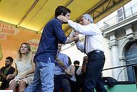 Roma, 4 Ottobre 2014<br /> Piazza Santi Apostoli<br /> Manifestazione di Sinistra, Ecologia e Libertà per una nuova politivca economica, contro l'austerity.<br /> L'abbraccio.<br /> Nichi Vendola, segretario Sel e Giuseppe Civati PD.