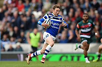 Will Chudley of Bath Rugby goes on the attack. Gallagher Premiership match, between Leicester Tigers and Bath Rugby on May 18, 2019 at Welford Road in Leicester, England. Photo by: Patrick Khachfe / Onside Images