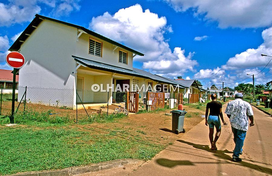 Cidade de fronteira, SaintGeorges. Guiana Francesa. Foto de Juca Martins. Data. 2004