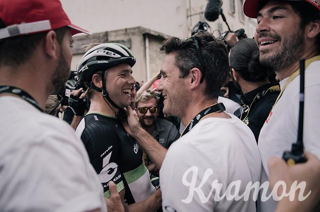 Edvald Boasson Hagen (NOR/Dimension Data) wins the stage and celebrates with familiar faces nearby<br /> <br /> 104th Tour de France 2017<br /> Stage 19 - Embrun &rsaquo; Salon-de-Provence (220km)