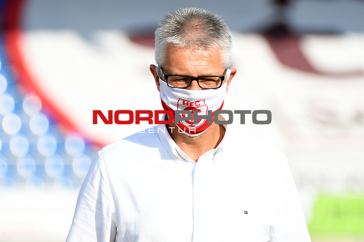 12.06.2020, Hänsch-Arena, Meppen, GER, 3.FBL, SV Meppen vs. Hallescher FC, <br /> <br /> im Bild<br /> Sportdirektor Ralf Heskamp (Hallescher FC)<br /> <br /> <br /> DFL REGULATIONS PROHIBIT ANY USE OF PHOTOGRAPHS AS IMAGE SEQUENCES AND/OR QUASI-VIDEO<br /> <br /> Foto © nordphoto / Paetzel