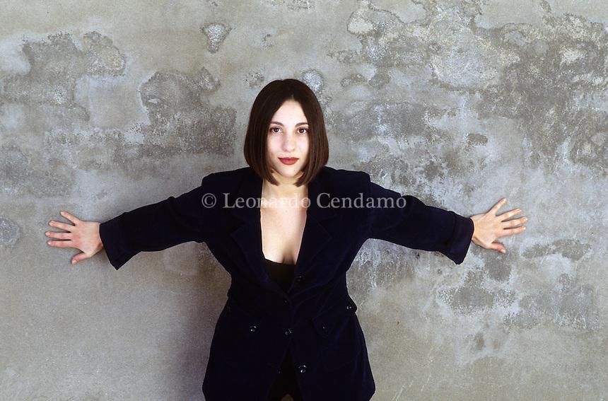 Simona Vinci, italian writer, Budrio, 2003.  © Leonardo Cendamo