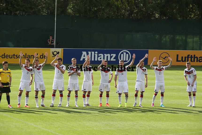 Deutsche Nationalmannschaft begrüßt die Fans - Testspiel der Deutschen Nationalmannschaft gegen die U20 zur WM-Vorbereitung in St. Martin