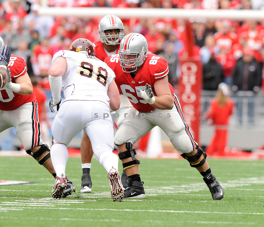 JUSTIN BOREN, of the Ohio State Buckeyes in action during the Buckeyes  game against the Minnesota Golden Gophers on October 24, 2009 in Columbus, OH. Ohio State won 38-7..