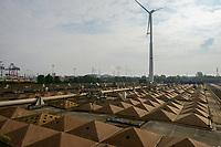 GERMANY, Hamburg, water treatment plant and Nordex wind turbine / DEUTSCHLAND, Hamburg, Hamburg Wasser Klaerwerk Dradenau, Nordex Windkraftanlage