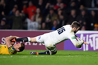 Elliot Daly of England scores a try in the second half. Quilter International match between England and Australia on November 24, 2018 at Twickenham Stadium in London, England. Photo by: Patrick Khachfe / Onside Images