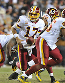 Landover, MD - December 27, 2009 -- Washington Redskins quarterback Jason Campbell (17) prepares to hand-off in second quarter action against the Dallas Cowboys at FedEx Field in Landover, Maryland on Sunday, December 27, 2009..Credit: Ron Sachs / CNP.(RESTRICTION: NO New York or New Jersey Newspapers or newspapers within a 75 mile radius of New York City)