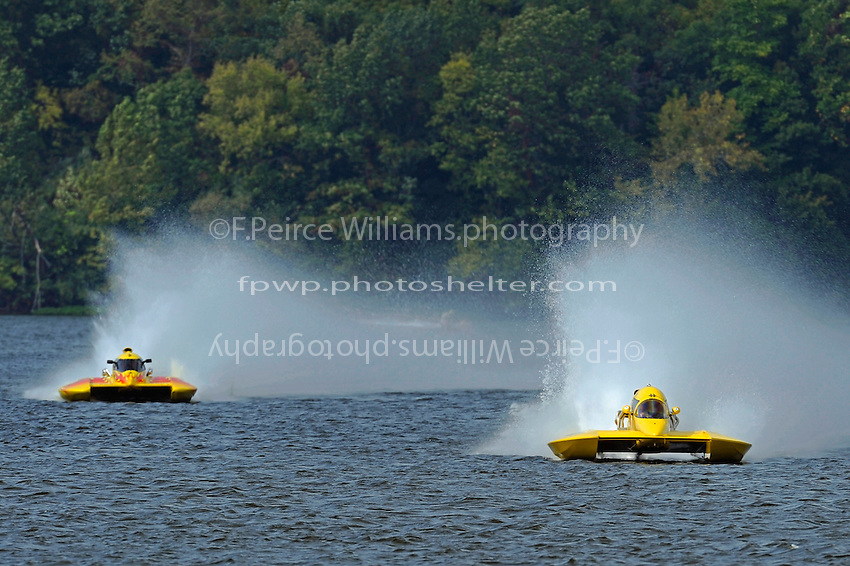 "Tom Newman, NM-100 ""Sum Toy"" and Thom Heins, NM-30 ""Pennzoil Big Bird""  (National Mod hydroplane(s)"