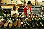 Bologna 16 Aprile 2008.Laboratorio dell'artigiano  Enzo Bonafè, Laboratory of the artisan Enzo Bonafè © Fulvia Farassino