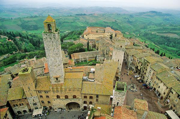 San Gimignano with its Medieval towers, San Gimignano, Tuscany, Italy, AGPix_0096.