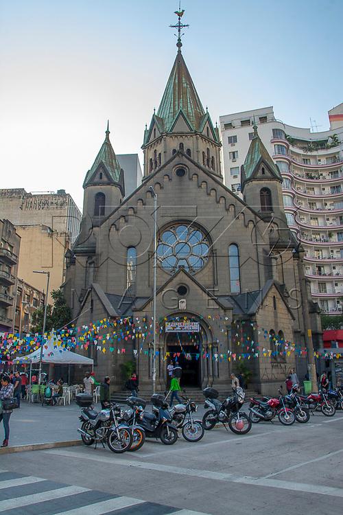 Paróquia Nossa Senhora da Conceição ou Igreja da Santa Ifigênia, São Paulo - SP, 07/2016.