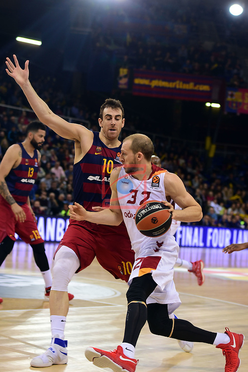 Turkish Airlines Euroleague 2016/2017.<br /> Regular Season - Round 22.<br /> FC Barcelona Lassa vs Galatasaray Odeabank Istanbul: 62-69.<br /> Victor Claver vs Sinan Guiler.