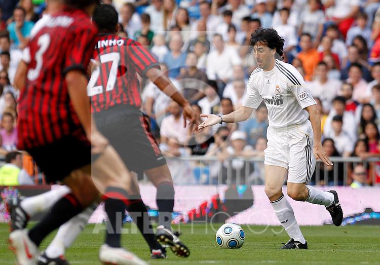 Madrid (30/05/10).- Estadio Santiago Bernabeu..Corazon Classic Match 2010.Real Madrid Veteranos 4- Milan Glorie 3.Jose Emilio Amavisca...Photo: Alex Cid-Fuentes/ ALFAQUI.