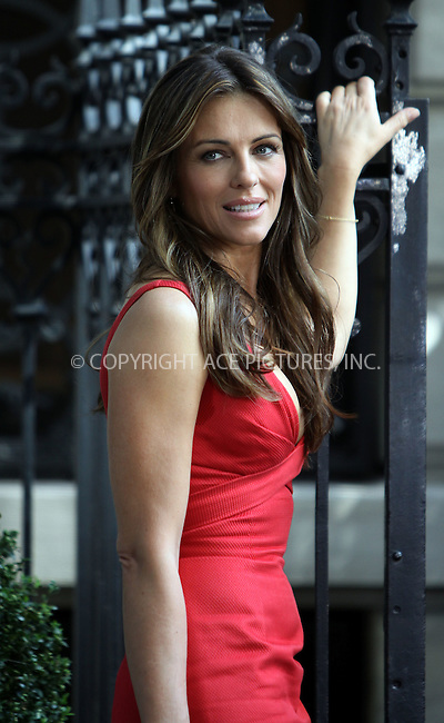 "WWW.ACEPIXS.COM . . . . .....July 13 2011, New York City....Actress Elizabeth Hurley on the Manhattan set of the TV show ""Gossip Girl"" on July 13 2011 in New York City  ....Please byline: CURTIS MEANS - ACE PICTURES.... *** ***..Ace Pictures, Inc:  ..Philip Vaughan (212) 243-8787 or (646) 679 0430..e-mail: info@acepixs.com..web: http://www.acepixs.com"
