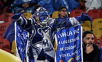 BOGOTA - COLOMBIA - 18 – 11 - 2017: Hinchas de Millonarios animan a su equipo durante partido de la fecha 20 entre Millonarios y Deportivo Cali, por la Liga Aguila II-2017, jugado en el estadio Nemesio Camacho El Campin de la ciudad de Bogota. / Fans of Millonarios cheer for their team during a match of the date 20th between Millonarios and Deportivo Cali, for the Liga Aguila II-2017 played at the Nemesio Camacho El Campin Stadium in Bogota city, Photo: VizzorImage / Luis Ramirez / Staff.