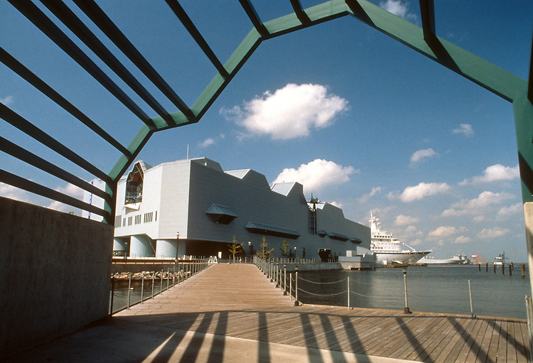 1996 September 30..Redevelopment.Downtown West (A-1-6)..NAUTICUS WITH CRUISE SHIP.VIEW THROUGH ENTRY PORTAL...NEG#.NRHA#..