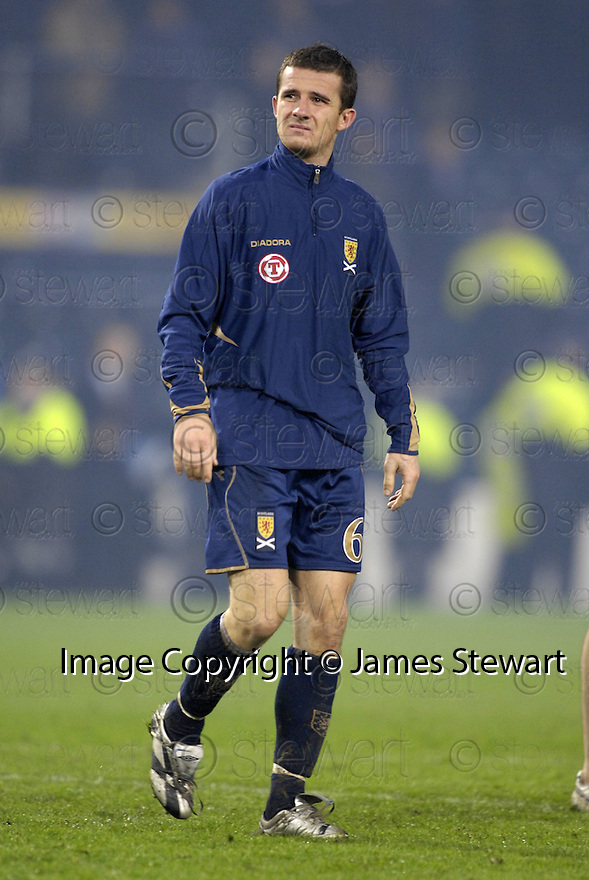 17/11/2007      Copyright Pic: James Stewart.File Name : sct_jspa12_scotland_v_italy.A DEJECTED BARRY FERGUSON AT THE END OF THE GAME....James Stewart Photo Agency 19 Carronlea Drive, Falkirk. FK2 8DN      Vat Reg No. 607 6932 25.Office     : +44 (0)1324 570906     .Mobile   : +44 (0)7721 416997.Fax         : +44 (0)1324 570906.E-mail  :  jim@jspa.co.uk.If you require further information then contact Jim Stewart on any of the numbers above........