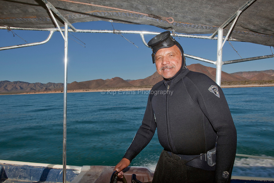 A Mexican hookah diver prepares to dive for fish in Kino Bay.