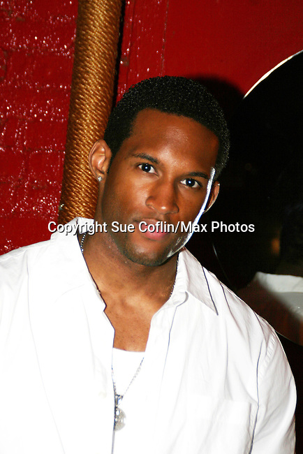 GL's Lawrence Saint-Victor came to see the fans when attending a fan event at Prohibition, NYC on Aug 14, 2008. Auctioned off item for a benefit. (Photo by Sue Coflin/Max Photo)