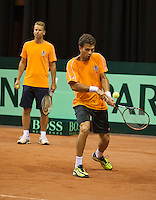 09-09-13,Netherlands, Groningen,  Martini Plaza, Tennis, DavisCup Netherlands-Austria, DavisCup,    Jean-Julian Rojer (R) (NED) and captain Jan Siemerink<br /> Photo: Henk Koster