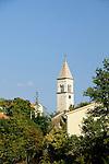 Kirche von Polje nahe Dobrinj; Church of Polje near Dobrinj, Krk Island, Dalmatia, Croatia. Insel Krk, Dalmatien, Kroatien. Krk is a Croatian island in the northern Adriatic Sea, located near Rijeka in the Bay of Kvarner and part of the Primorje-Gorski Kotar county. Krk ist mit 405,22 qkm nach Cres die zweitgroesste Insel in der Adria. Sie gehoert zu Kroatien und liegt in der Kvarner-Bucht suedoestlich von Rijeka.