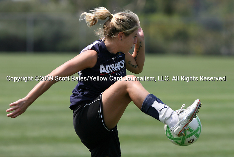 21 August 2009: LA's McCall Zerboni. The Los Angeles Sol held a training session at the Home Depot Center in Carson, California one day before playing Sky Blue FC in the inaugural Women's Professional Soccer Championship Game.