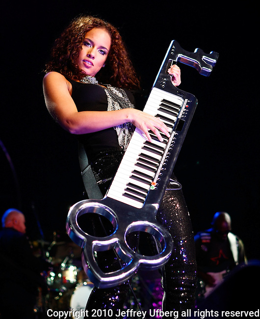 """March 18, 2010 New York: Singer / Musician Alicia Keys performs """"Madison Square Garden"""" on March 18, 2010 in New York."""