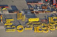 Cuxhafen Steel Construction GMBH: EUROPA, DEUTSCHLAND, NIEDERSACHSEN, CUXHAFEN (EUROPE, GERMANY), 26.12.2008: Industriegelaende zur Herstellung und Transport von Offshore Windkraft Anlagen, Cuxhafen Steel Construction GMBH, Gruendungsstrukturen fuer Offshore-Windenergieanlagen, Stahlbau, Dreibein, Fundamente fuer Windpark norwestlich Borkum,