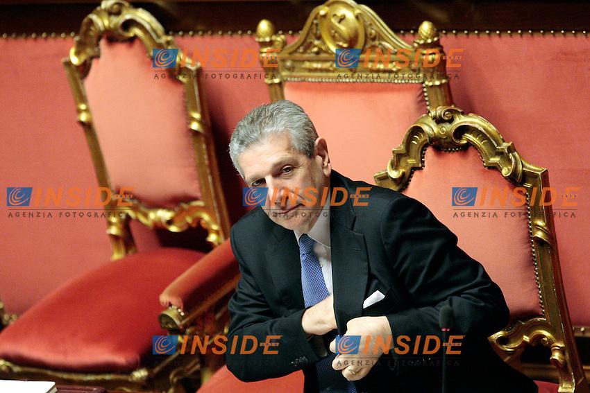Giampaolo Di Paola.Roma 24/04/2012 Senato. Voto di Fiducia sulla prima parte del Decreto Fiscale..Photo Samantha Zucchi Insidefoto