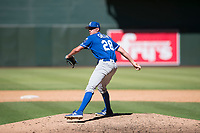 Kansas City Royals relief pitcher Walker Sheller (28) delivers a pitch to the plate during an Instructional League game against the Arizona Diamondbacks at Chase Field on October 14, 2017 in Scottsdale, Arizona. (Zachary Lucy/Four Seam Images)