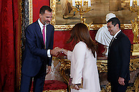 Spanish Royals King Felipe VI of Spain an Queen Letizia of Spain reciving to Honduras President Juan Orlando Hernandez and his wife Ana Garcia at Royal Palace in Madrid, Spain. October 1, 2014. (Jose Luis Cuesta/POOL/ALTERPHOTOS) /NortePhoto.com