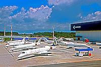 Avioes no patio da industria Embraer. São José dos Campos. 2001. Foto de Juca Martins.