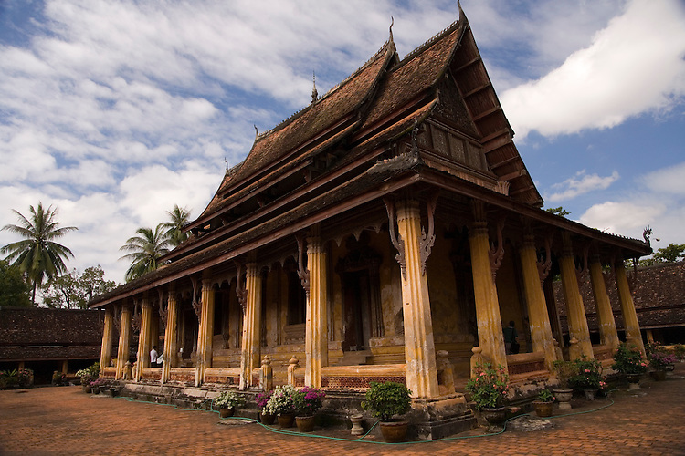 The Wat Si Saket temple was only one that was left intact after the Siamese invasion in 1828.