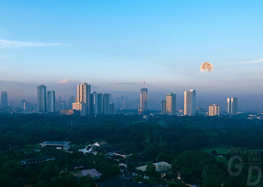 Setting full Moon, Blood Moon, January 31, 2018 Manila Philippines