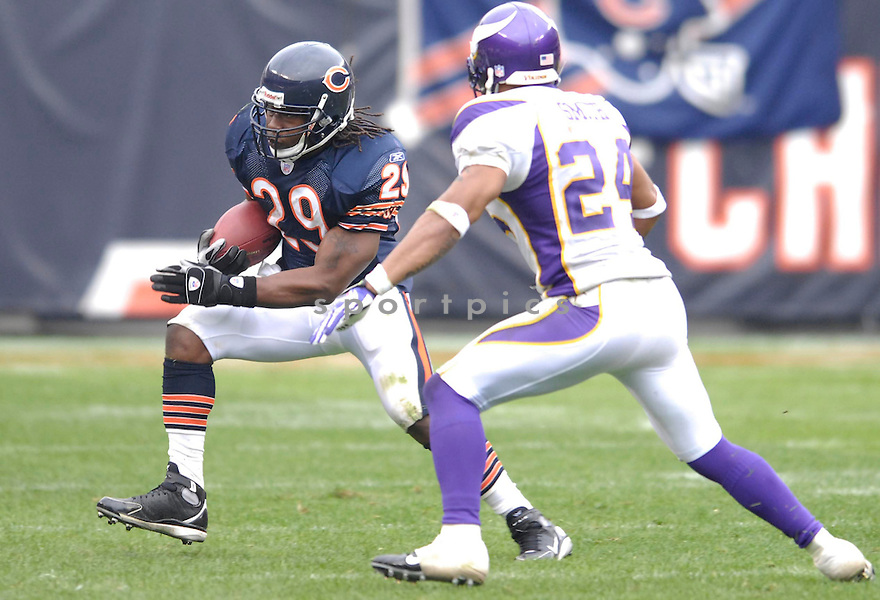 ADRIAN PETERSON, of the Chicago Bears, in action during the Bears games against the Minnesota Vikings, in Chicago, IL on October 14, 2007.  The Vikings won the game 34-31...........