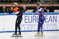 SHORT TRACK: TORINO: 14-01-2017, Palavela, ISU European Short Track Speed Skating Championships, Semifinals 500m Men, Sjinkie Knegt (NED), Victor An (RUS), ©photo Martin de Jong