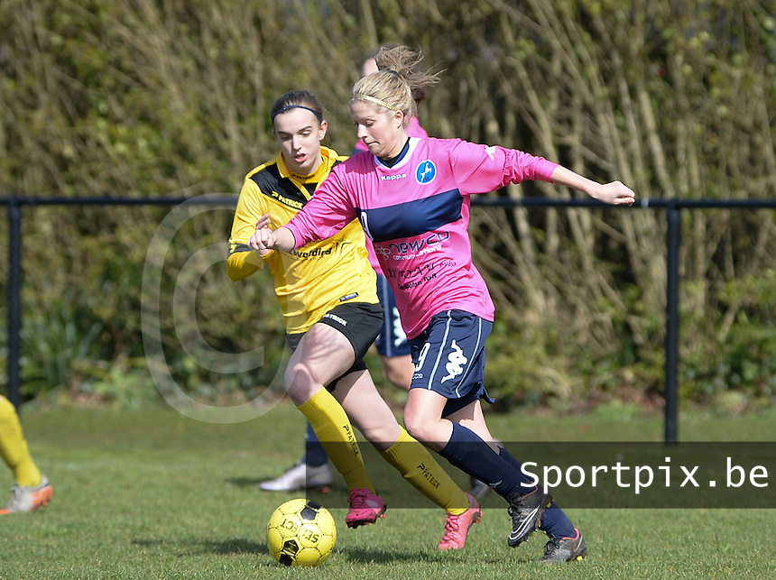 20160328 - Zwevezele , BELGIUM : Turnhout's Larissa Van Gils (r) pictured with Zwevezele's Ellen Lagrange (left) during the soccer match between the women teams of Voorwaarts Zwevezele and FC Turnhout  , on the 20th matchday of the Belgian Third division for Women on Saturday 28 th March 2016 in Zwevezele .  PHOTO SPORTPIX.BE DAVID CATRY