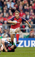 2004/05 Heineken_Cup, NEC,Harlequins vs Munster, RFU Twickenham,ENGLAND:.Munsters Shaun Payne, breaks with the ball, breaking Tony Diprose's tackle...Photo  Peter Spurrier. .email images@intersport-images.com...