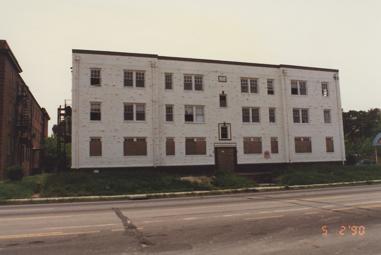 1990 May 02..Assisted Housing..Apartment House Oceanview...NEG#.NRHA#..